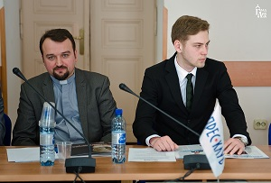 L-R: Rev. Roman Zavijskyj, Dean of the Faculty of Theology at the Ukrainian Catholic University of the Ukrainian Greek Catholic Church and Luka Karpjuk, Press-secretary and representative of Bishop Dymytrius of the Ukrainian Orthodox Church of Kyiv Patriarchate.